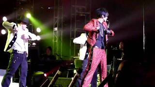Show Luo - Mohegan Sun 06 MJ Moonwalk + 杜德偉 拯救地球