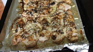 Свиные отбивные с грибами и луком\Pork chops with mushrooms and onions