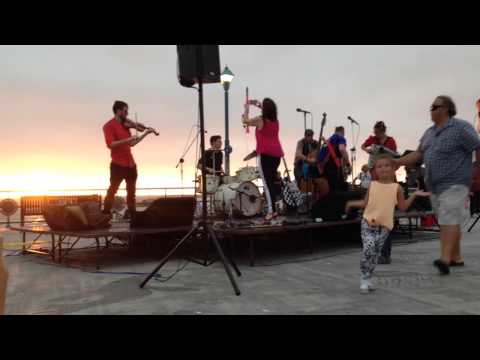 "The Vignatis ""Rock This Town"" Gypsybilly Music @ Redondo Pier 2015"
