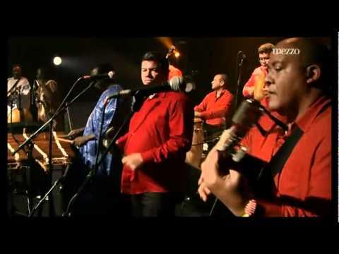 AfroCubism - Eliades Ochoa - Al Vaiven de Mi Carreta (Nico Saquito)