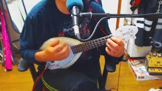 キヨシローの覆面バンド「Love Jets」のテーマソングを、ウクレレで弾き...