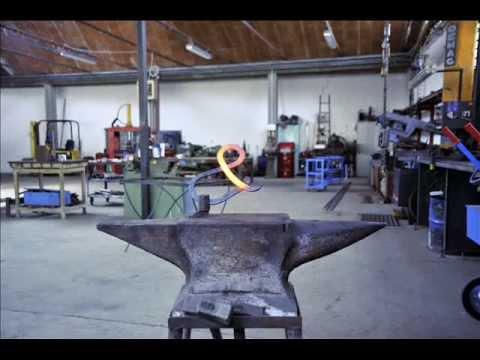 Scale per interni metalliche in ferro a giorni a spirale o chiocciola gazebi arte ferro - Scale per interni catania ...
