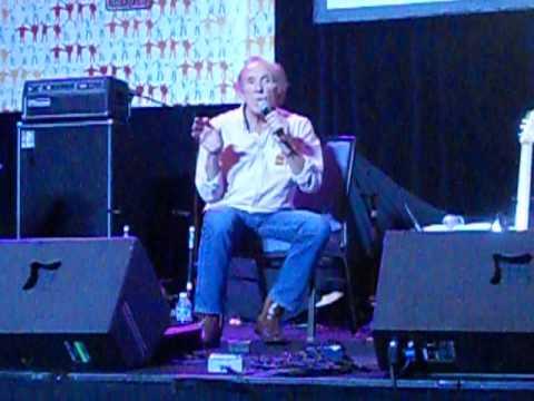 Billy Kinsley at Chicago Beatlefest, 2015