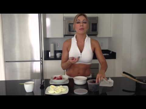 Claudia Molina te muestra como prepara la avena y en que consiste su desayuno!