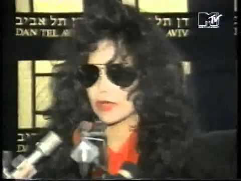 LaToya blasting Michael Jackson for child molesting (1993)