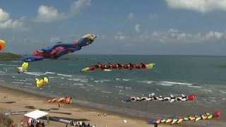 Raw: Kite Flying Displays in Taipei