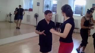 Сальса с Чино для начинающих - Урок в Школе танцев Чино