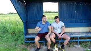 Keď vám na futbalovom ihrisku chýba kus čiary | NAKED BANANAS