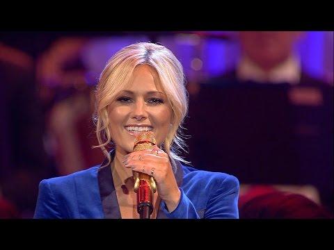 Helene Fischer | Adeste Fideles (Live aus der Hofburg Wien)