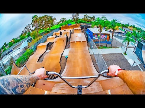 INSANE BMX MEGA RAMP TRACK IN CALIFORNIA!