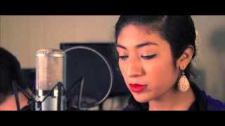 **Perfume A Tus Pies (Cover) by Jocelyn Paz**