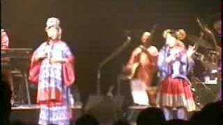 2004年11月3日 愛より青い海.