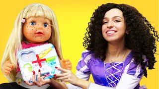 Прикольный видео сборник - Лечим Беби Бон и Принцесс Диснея! - Весёлые игры доктор. Видео куклы.