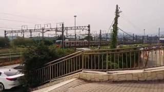 철도박물관을 통과하는 전동열차2