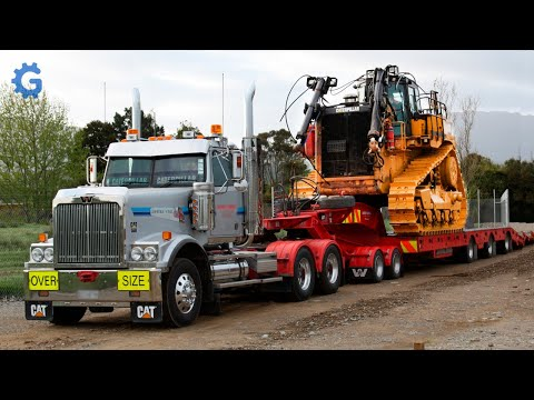 This Is How CAT And Komatsu Bulldozers And Hydraulic Excavators Are Made ▶ Production Line