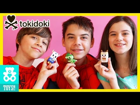 FROZEN ELSA & SPIDERMAN BROTHERS OPEN TOKIDOKI BLIND BOXES!   |  KITTIESMAMA