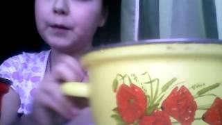 Как правильно растопить шоколад на водяной бане.(В этом видео вы узнаете как по очередно растопить шоколад на водяной бане. Поделитесь этим видео чтобы не..., 2015-12-27T19:06:35.000Z)