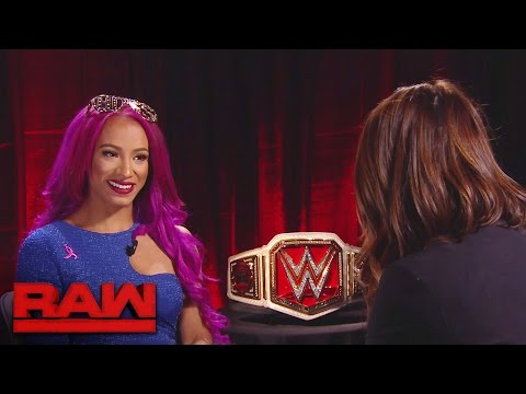 Sasha Banks prepares to make history inside Hell in a Cell: Raw, Oct. 17, 2016