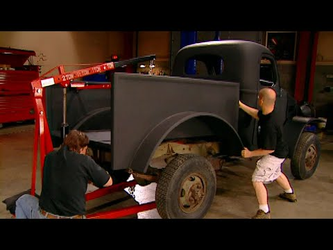 Bed Construction For Sergeant Rock - Trucks! S6, E22