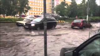 Вот такая Гроза в Питере на улице Шостаковича