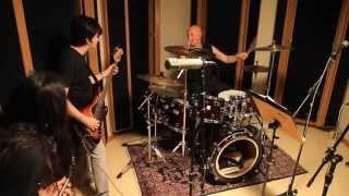 riff raff acdcs drummer chris slade jamming with brazilian musicians