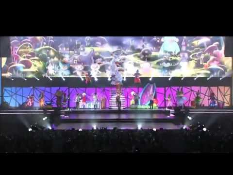 SHINee - Kiss Yo! Live [CUTE & FUNNY Performance]
