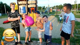 GADAMY PO HELU I PLAC ZABAW Playground