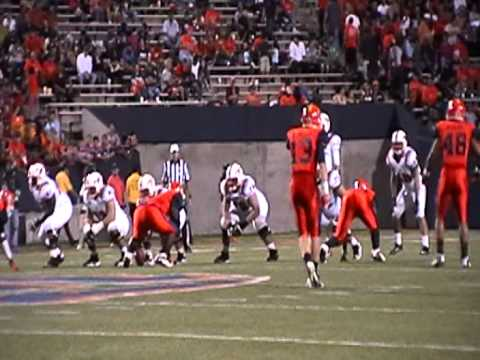 Garrett Gilbert Throwing the Ball (UTEP vs SMU 2012)