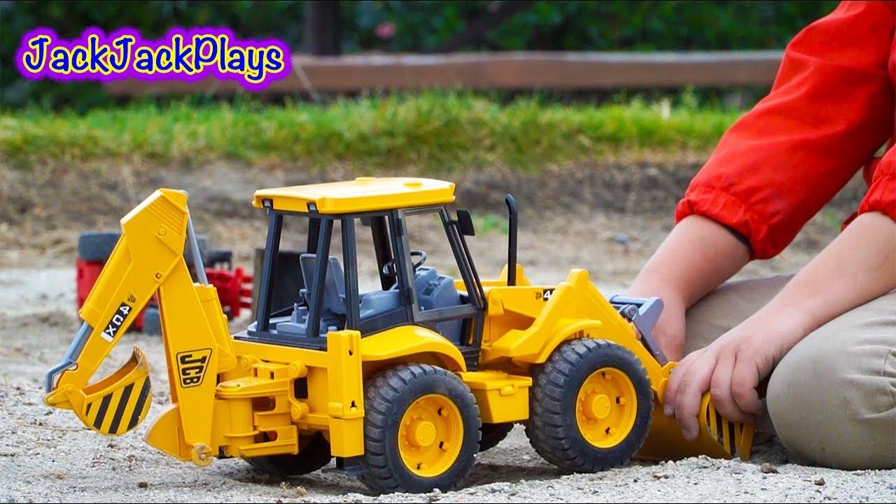 bruder construction trucks for kids unboxing jcb backhoe kid playing with toys youtube. Black Bedroom Furniture Sets. Home Design Ideas