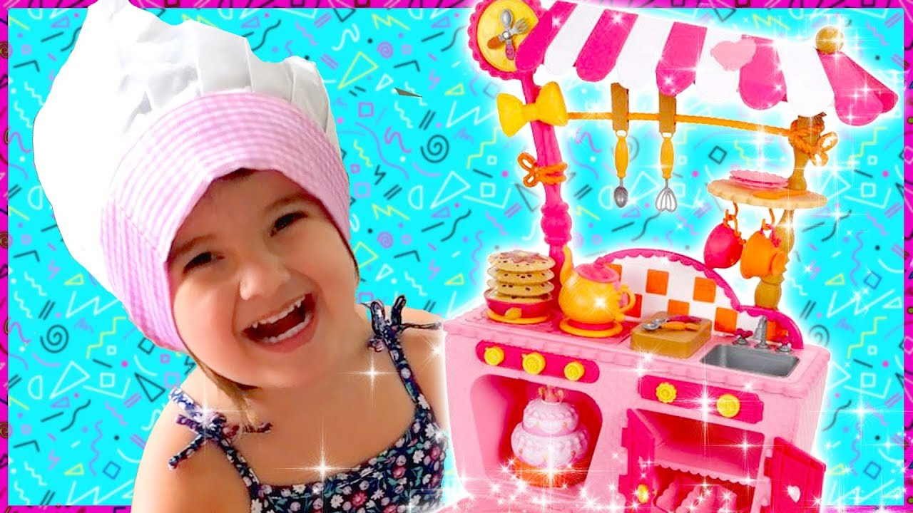 Whimsy unboxes the Lalaloopsy Magic Kitchen! - YouTube