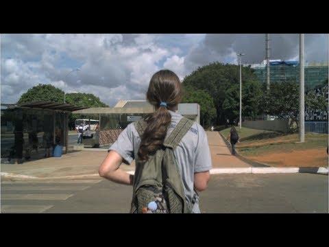A arte de andar pelas ruas de Brasília - filme completo / english subtitles
