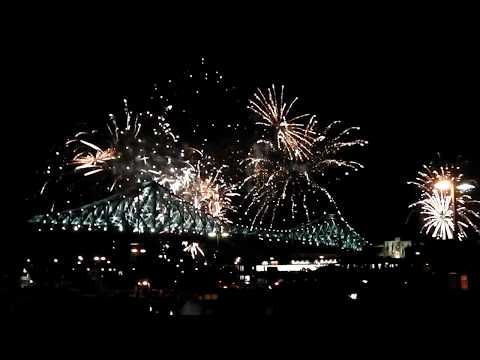 Le pont Jacques Cartier illuminé pour le 375 anniversaire de Montréal