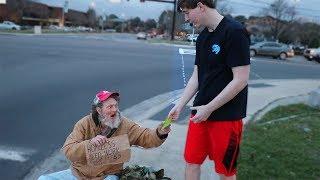 I Gave $20,000 To Random Homeless People thumbnail
