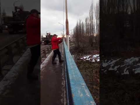 Новая Усмань , Санек собрал пробку на мосту !
