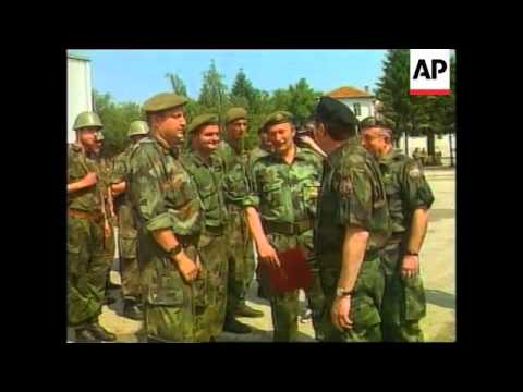 YUGOSLAVIA: KOSOVO: BELGRADE: SERB TROOPS AWARDED MEDALS