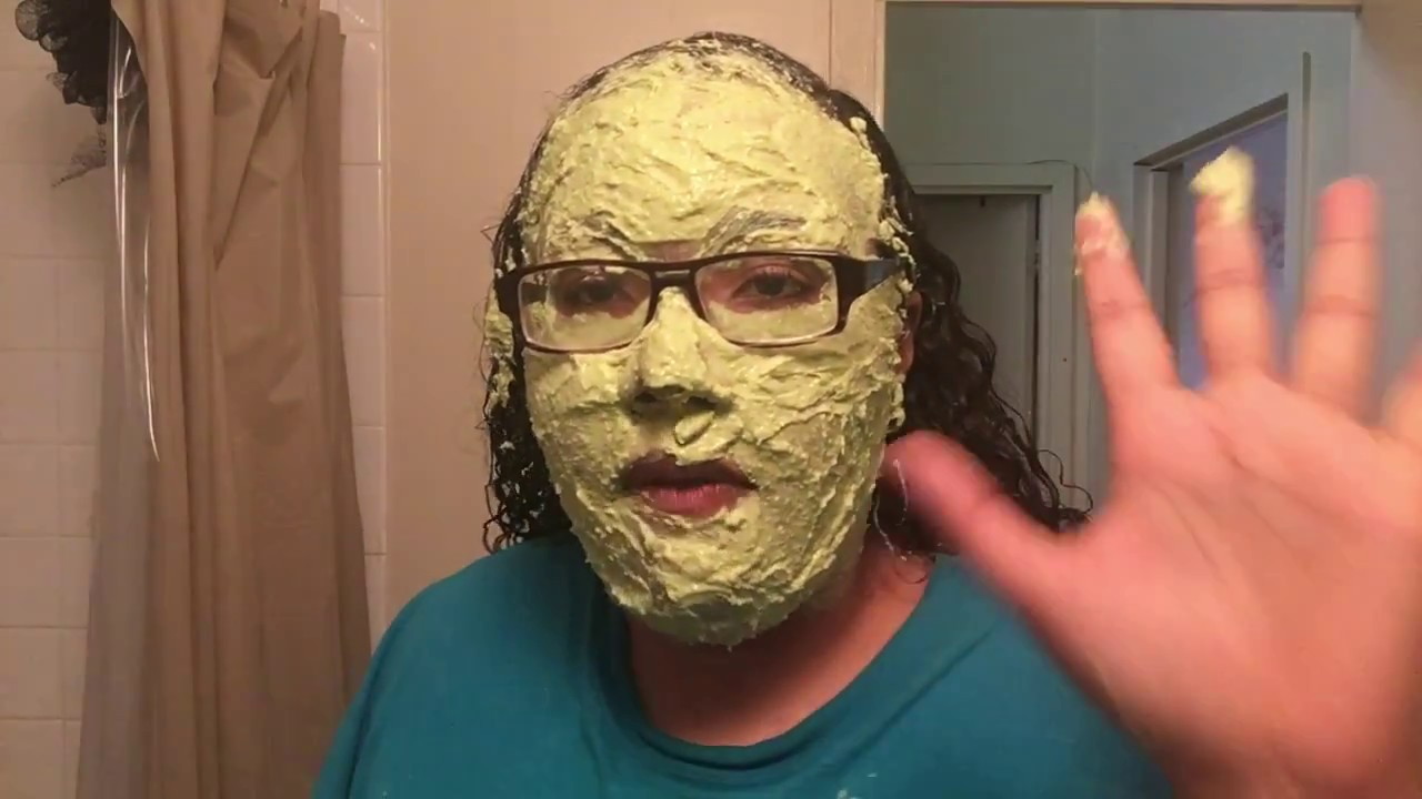 facial-mask-removes-discoloration-teen-girls-sucking-pussy