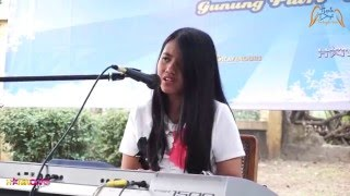 Download Lagu Bintang Kehidupan - Nike Ardilla (Cover) by Hanin Dhiya mp3