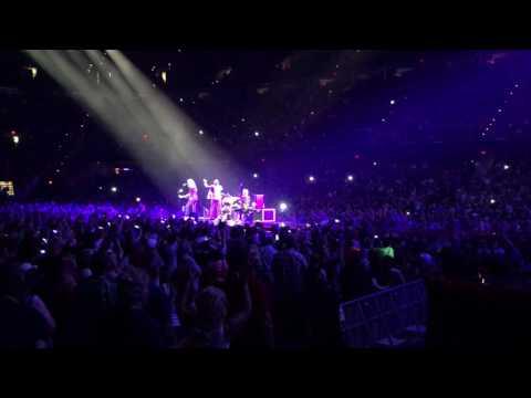 """Queen + Adam Lambert - """"Somebody To Love"""" - Quicken Loans Arena, Cleveland, Ohio 7/21/17"""