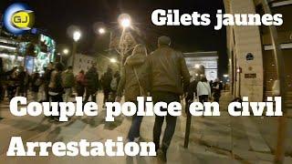 Police couple en civil : arrestation. Gilets jaunes, Champs-Élysées, acte 16, Paris, 2 mars 2019.