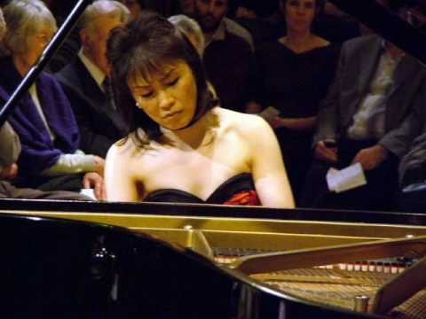 Noriko Ogawa plays Beethoven Piano Concerto No.3 1st movement-2.wmv