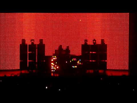 Justice - Stress with special Disco Intro (Live @ Zénith, Paris 23-05-2012)