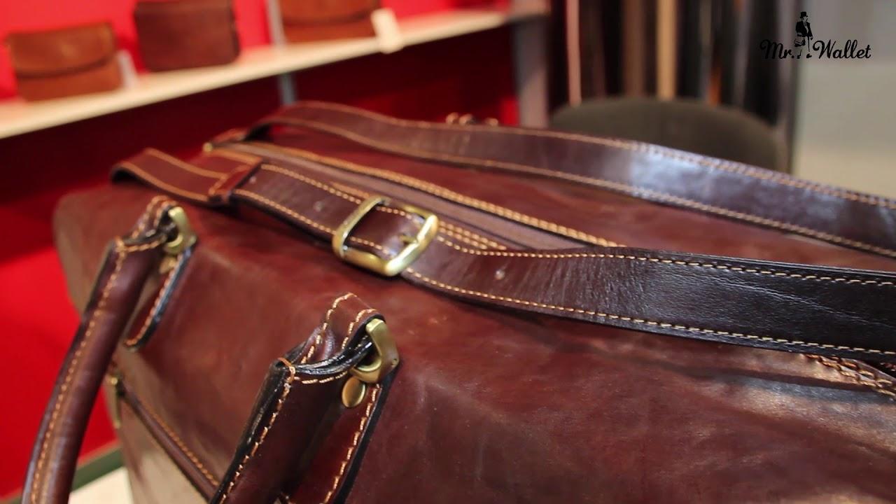 Дорожную сумку следует подбирать под общий образ. Если ты часто ездишь в командировки и на деловые встречи, рекомендуем купить классический саквояж или кожаную модель. Если же ты не придерживаешься делового дресс-кода, поищи практичные модели типа рюкзака или сумки на колесах.