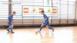 How To Do The Ronaldinho Elastico