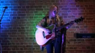 Jenna Witts - We Oughta Be Drinkin'