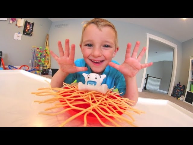 FATHER SON PLAY YETI SPAGHETTI! / Dont Fall!