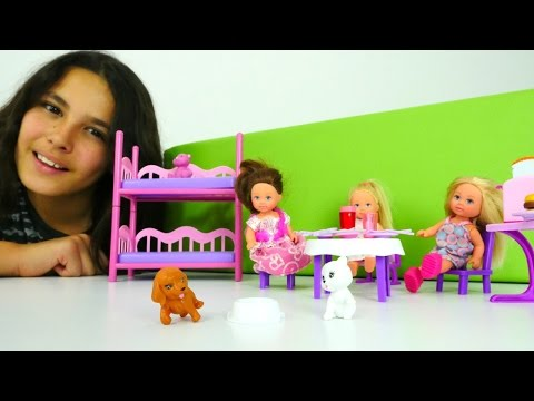 Barbie Chelsea ile pijama partisi. Eğlenceli oyunları