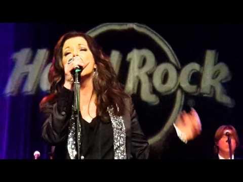 Martina McBride When God Fearin' Women Get The Blues @ Hard Rock Cafe NYC
