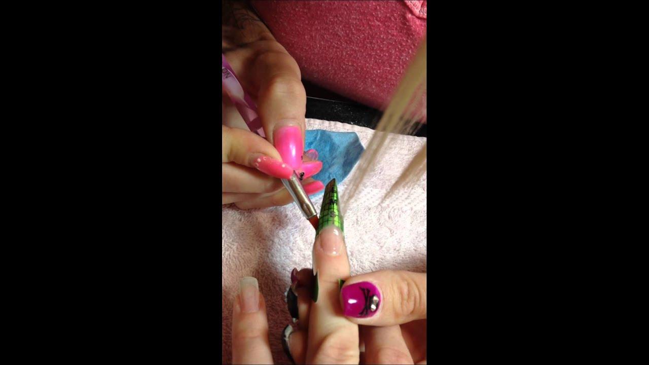 Pinching a gel nail - YouTube