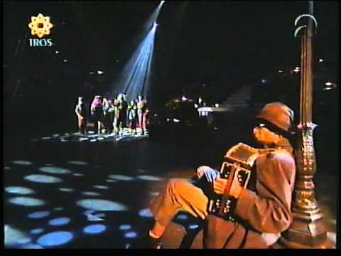 Frans Bauer zingt