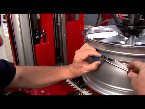 How to Install and Remove a Banded Tire Pressure Monitoring Sensor